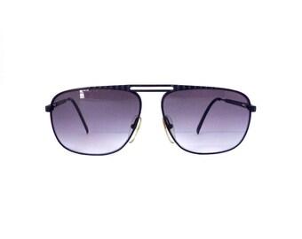 Playboy's Sunglasses //Unisex Aviator//Vintage 1990's// Black Frames//New Lenses// #M96 DIVINE