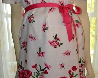 Maternity Hospital Gown with MILK BREAKS nursing feature/Bed of Roses/Fits pre-preg. size 2/4