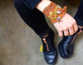 """""""MARVELLA"""" Brown crinkled leather strap"""