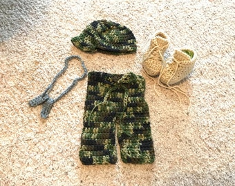 US Army Camo Set/Crochet Military Style Patrol Cap/Diaper Cover/Combat Booties and Dog Tag Set/Perfect Boy-Girl Photo Prop!/Baby Gift
