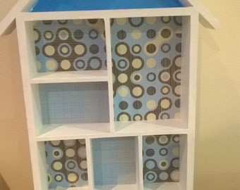 Display Shelves for trinkets in white and blue
