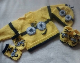 Baby Knitting Patterns Jumper/Cap/Mitts/Booties with 'funny face' 0-3mths