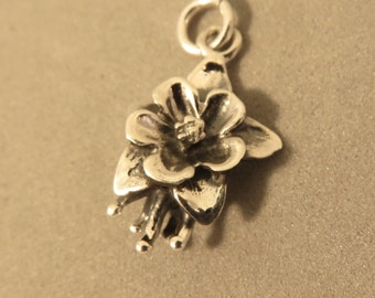 Sterling Silver COLUMBINE FLOWER Charm Pendant Floral Colorado State Garden .925 Sterling Silver New ga02