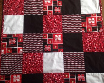 Nebrasks Corn Huskers Blanket - Throw - Quilt - Unique Gift - Baby Shower - Baby Blanket, Toddler Blanket, Lap Throw, Personalization