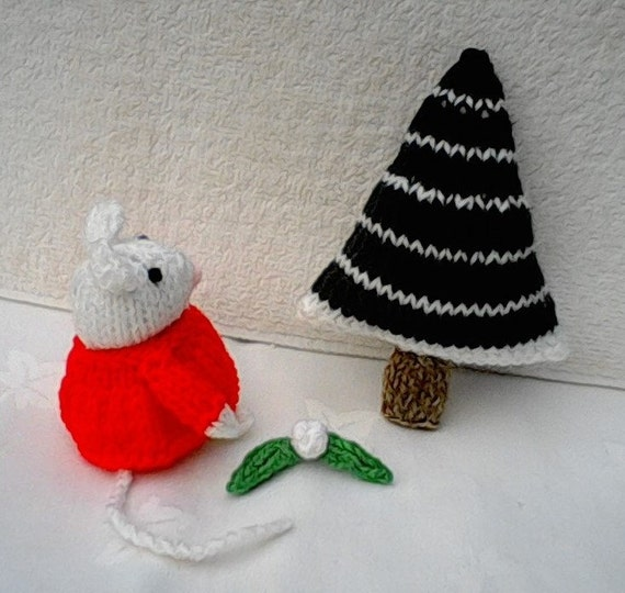 Knitting Patterns For Christmas Mice : Knitting Pattern Mouse Christmas Knitting by NewForestKnits