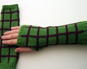 Plaid fingerless gloves - knitted gloves - checkered fingerless gloves - green chequered gloves