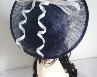 NAVY & WHITE Disc Fascinator With Bow/Loops Weddings-Ascot-Ladies Day-Races