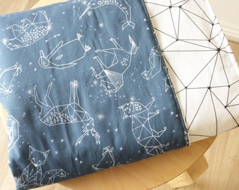 Modern crib blanket. Reversible cot quilt. Baby cot blanket. Constellations baby bedding. Boys blanket