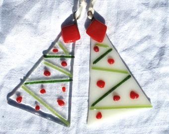Christmas tree , set of 3, Christmas garland design.  Fused glass christmas decoration, beautiful simple design. Handmade