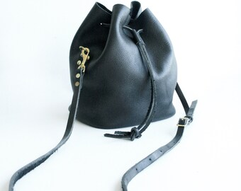 Canberra Convertible cross body Bucket bag to Backpack - black