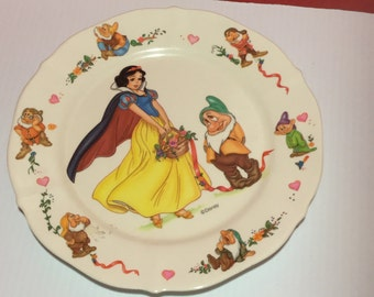 Snow White Plates and Bowl c1972