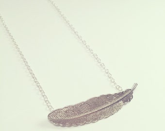 Dainty Leaf Necklace - Silver Plated