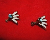 "FLOWER Petal (4) with Blue Set 3/4"" Silver-tone with White Inlaid Vintage Screw-on EARRINGS"