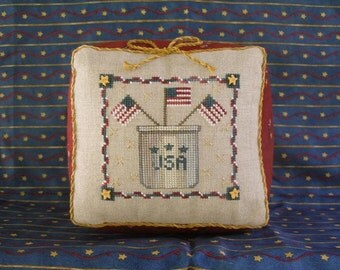 USA CROCK; E-Pattern for Counted Cross Stitch; Instant PDF Download; Patriotic Americana Design