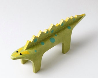 Flat lizard ceramic ornament