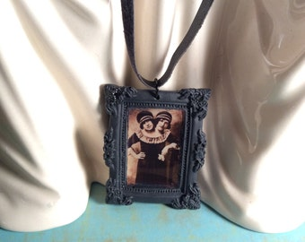Conjoined twins sideshow necklace