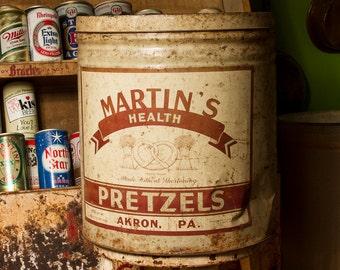 Vintage Pretzel Tin, Martin's Pretzels Tin Akron PA Pennsylvania, Large Pretzel Tin, Industrial Metal Bucket, Rustic Home Decor, Old Tin Can