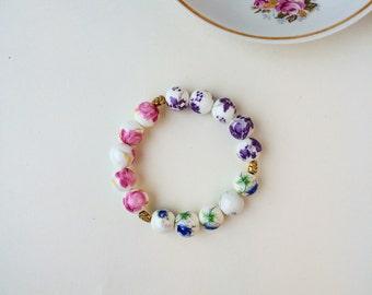 Floral painted porcelain bead bracelet, floral bracelet, flower bracelet, gold leaf bracelet, romantic bracelet, jewellery for her