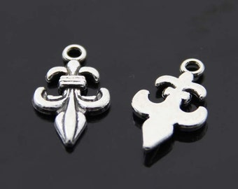 20PCS/Bulk Sale,Antique Silver Cross Charm Pendant --- Tibetan Silver Tone, Vintage Jewelry Supply ---- 23mm*13mm,  CC085-100