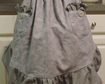 Gray Half Apron with Ruffle and Pockets