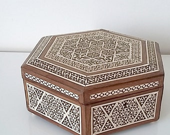 Jewelry box, marquetry, octagonal box, wood and mother-of-Pearl