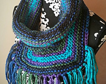 Knit Cowl, Fringe, Cowl,Fringe Collar, Chunky Knit, Chunky Cowl, Bulky Yarn, Winter, Oversized Cowl, Oversized Knitting, Blue, Purple, Green