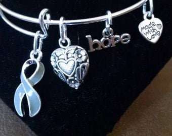 Gray Ribbon Awareness Support Bangle Charm Expandable Bracelet Brain Cancer / Diabetes / Asthma