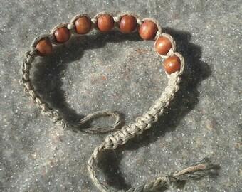 Hemp Bracelet. Camouflage hemp with eight wood beads. Men's hemp bracelet. Beaded Bracelet. Hemp Jewelry.