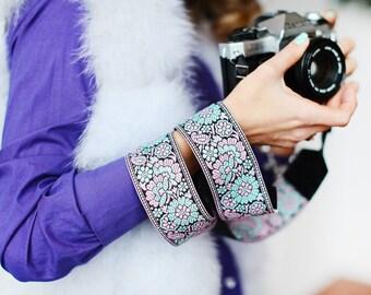 Hand-made camera strap Pulmonaria
