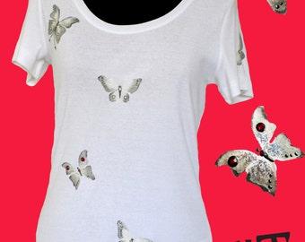 Hand painted t-shirt SIZE: Medium