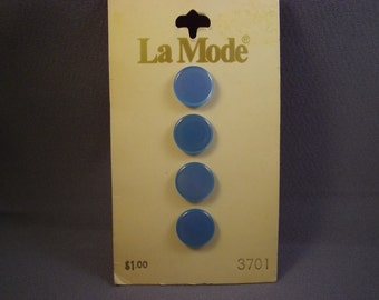 La Mode Light Blue Buttons on Card, vintage, 4 pc., 11mm, 3701