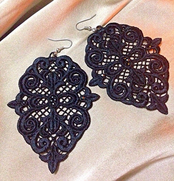 Stand Alone Lace Embroidery Designs : Free standing lace machine embroidery design set earrings