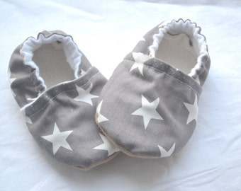 Grey baby shoes Grey slippers with star Grey baby clothing Soft sole grey baby shoes Unisex baby soft shoes Star baby clothing Grey shoes