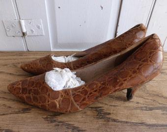 Antique vintage ladies small crocodile skin leather shoes size UK 4