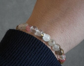 Bracelet of semi-precious stones with ease