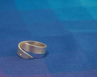 Silver Circle Point Ring, Geometric Silver Ring