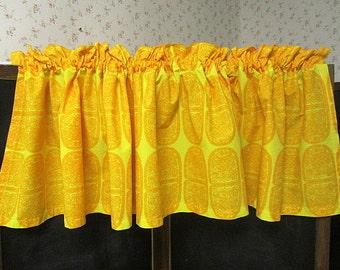 """Marimekko Finland Kitchen Curtain Fabric Yellow """"Tantsu"""" designer Maija Isola 1960"""