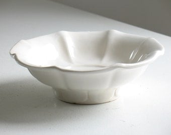 Vintage McCoy footed pottery bowl / fluted white USA pottery trinket dish / rustic modern farmhouse decor