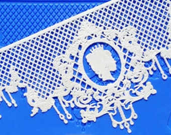 Crystal Candy Le Chandre Lace Mat