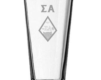 Sigma Alpha Mixing Glass