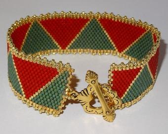 Christmas Triangle Peyote Bracelet