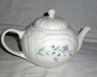 Pfaltzgraff April Quilted Design Teapot
