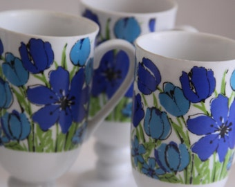 Retro Set of 6 ROYAL ARNART Smug Mug Footed Coffee Cups - Mod Blue Floral Pattern