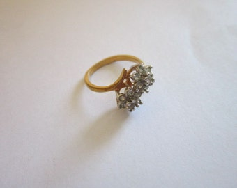 Vintage Beautiful 18KHGE Statement Ladies Ring with Rhinestones