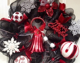 Memorial Day Sale Black, red and white Christmas wreath