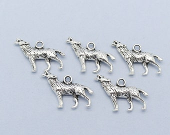 Wolf Charm x 5 Antique Silver Charm.Pendant.Twilight.Halloween.Animal (SC147)