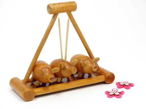 Pigs salt and pepper shakers vintage wooden by vintagelittlegems - Toothpick holder for purse ...
