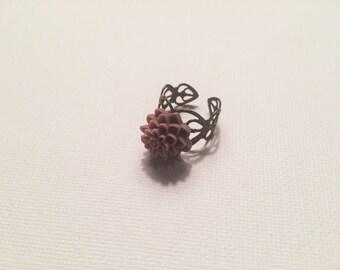Adjustable light pink/purple floral ring