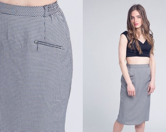 black gingham skirt / high waisted skirt with zip pocket detail / vtg 80s / s