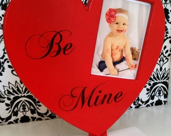 """Cute """"Be Mine"""" Valentine's Day heart frame"""